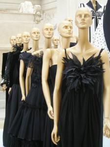 Valentinos klänningar utställda på Ara Pacis